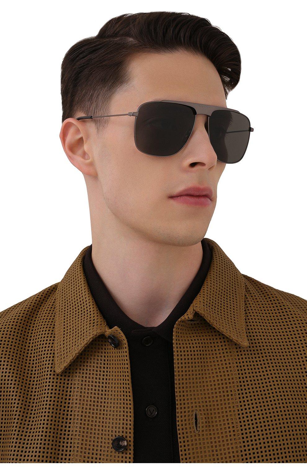 Мужские солнцезащитные очки GUCCI серого цвета, арт. GG0909S 001 | Фото 2 (Тип очков: С/з; Очки форма: Прямоугольные; Оптика Гендер: оптика-мужское)
