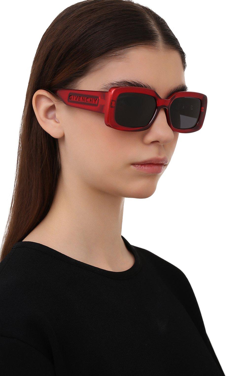 Женские солнцезащитные очки GIVENCHY красного цвета, арт. 7201 C9A | Фото 2