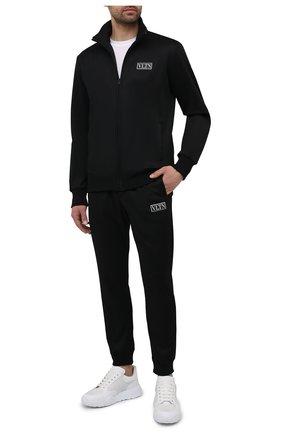 Мужской толстовка VALENTINO черного цвета, арт. WV3MF19Q7ML | Фото 2 (Длина (для топов): Стандартные; Мужское Кросс-КТ: Толстовка-одежда; Материал внешний: Хлопок, Синтетический материал; Рукава: Длинные; Стили: Спорт-шик)