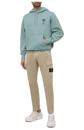 Мужские хлопковые брюки-карго STONE ISLAND бежевого цвета, арт. 741530504 | Фото 2