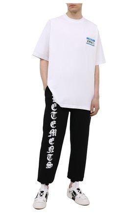 Мужская хлопковая футболка VETEMENTS белого цвета, арт. UA52TR330W 1602/M | Фото 2