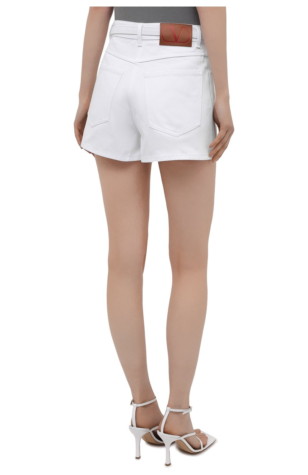 Женские джинсовые шорты VALENTINO белого цвета, арт. WB3DD11X6FK | Фото 4 (Женское Кросс-КТ: Шорты-одежда; Кросс-КТ: Деним; Длина Ж (юбки, платья, шорты): Мини; Материал внешний: Хлопок; Стили: Кэжуэл)