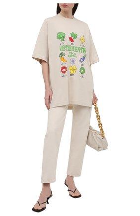 Женская хлопковая футболка VETEMENTS бежевого цвета, арт. UA52TR380W 1611/W | Фото 2