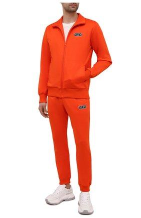 Мужской толстовка VALENTINO оранжевого цвета, арт. WV3MF19Q7ML | Фото 2 (Материал внешний: Хлопок, Синтетический материал; Стили: Спорт-шик; Длина (для топов): Стандартные; Рукава: Длинные; Мужское Кросс-КТ: Толстовка-одежда)