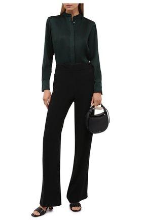 Женская шелковая рубашка LORO PIANA темно-зеленого цвета, арт. FAL7994 | Фото 2 (Стили: Кэжуэл; Материал внешний: Шелк; Принт: Без принта; Женское Кросс-КТ: Рубашка-одежда; Рукава: Длинные; Длина (для топов): Удлиненные)