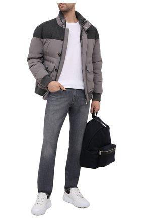 Мужские джинсы BOSS темно-серого цвета, арт. 50453114 | Фото 2 (Длина (брюки, джинсы): Стандартные; Силуэт М (брюки): Прямые; Материал внешний: Хлопок, Деним; Стили: Кэжуэл)