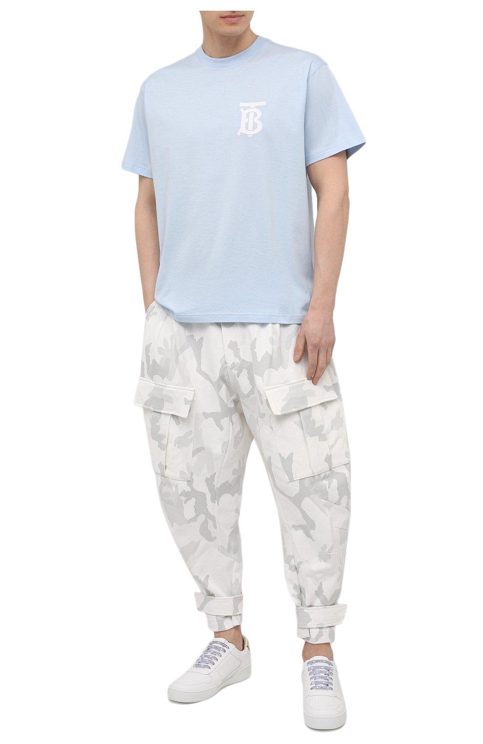 Мужская хлопковая футболка BURBERRY голубого цвета, арт. 8040062 | Фото 2 (Принт: Без принта; Рукава: Короткие; Длина (для топов): Стандартные; Материал внешний: Хлопок; Стили: Кэжуэл)