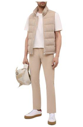 Мужские хлопковые брюки LORO PIANA бежевого цвета, арт. FAI2480 | Фото 2 (Стили: Кэжуэл; Случай: Повседневный; Длина (брюки, джинсы): Стандартные; Материал внешний: Хлопок)