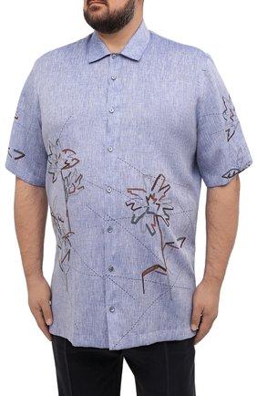 Мужская льняная рубашка CORTIGIANI синего цвета, арт. 115620/0000/60-70   Фото 3 (Воротник: Акула; Рукава: Короткие; Случай: Повседневный; Принт: С принтом; Длина (для топов): Удлиненные; Материал внешний: Лен; Стили: Кэжуэл)