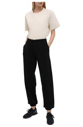 Женские текстильные кроссовки motion GIORGIO ARMANI темно-синего цвета, арт. X1X020/XM961 | Фото 2 (Материал внутренний: Текстиль, Натуральная кожа; Материал внешний: Текстиль; Подошва: Платформа)