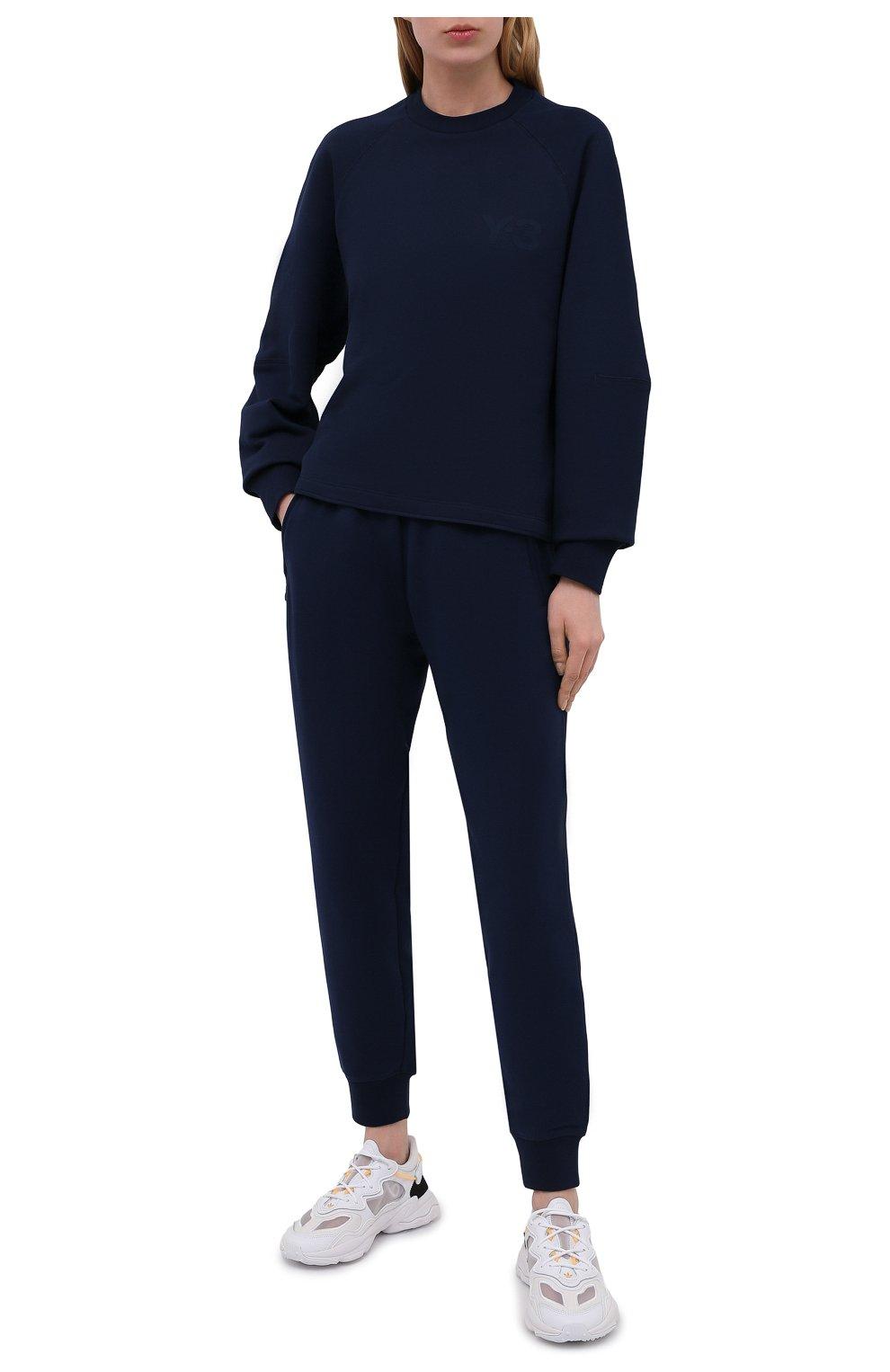 Женские хлопковые джоггеры Y-3 темно-синего цвета, арт. GV2787/W | Фото 2 (Женское Кросс-КТ: Брюки-спорт, Джоггеры - брюки; Длина (брюки, джинсы): Стандартные; Силуэт Ж (брюки и джинсы): Джоггеры; Кросс-КТ: Трикотаж; Материал внешний: Хлопок; Стили: Спорт-шик)