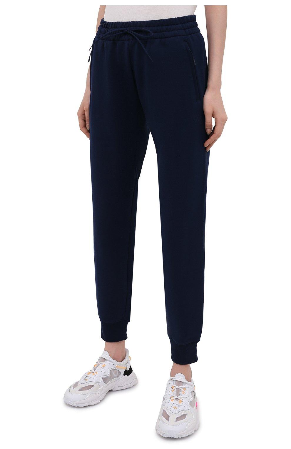 Женские хлопковые джоггеры Y-3 темно-синего цвета, арт. GV2787/W | Фото 3 (Женское Кросс-КТ: Брюки-спорт, Джоггеры - брюки; Длина (брюки, джинсы): Стандартные; Силуэт Ж (брюки и джинсы): Джоггеры; Кросс-КТ: Трикотаж; Материал внешний: Хлопок; Стили: Спорт-шик)