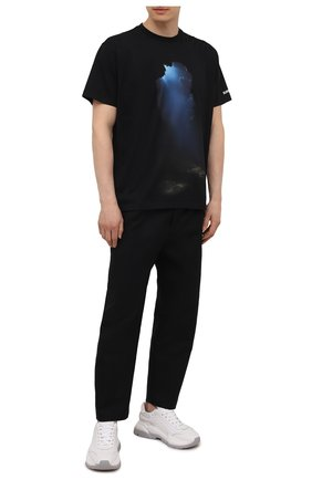 Мужская хлопковая футболка BURBERRY черного цвета, арт. 8040684 | Фото 2 (Рукава: Короткие; Принт: С принтом; Материал внешний: Хлопок; Длина (для топов): Стандартные; Стили: Кэжуэл)