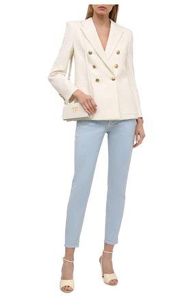 Женские джинсы RALPH LAUREN голубого цвета, арт. 290840803 | Фото 2 (Длина (брюки, джинсы): Стандартные; Силуэт Ж (брюки и джинсы): Узкие; Материал внешний: Хлопок; Детали: Потертости; Стили: Кэжуэл; Кросс-КТ: Деним)
