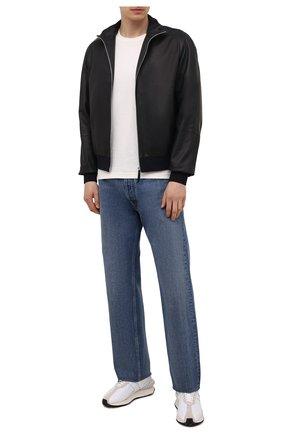 Мужской кожаный бомбер ANDREA CAMPAGNA темно-синего цвета, арт. 60400E1652600 | Фото 2 (Стили: Классический; Принт: Без принта; Мужское Кросс-КТ: Кожа и замша; Материал подклада: Шелк; Кросс-КТ: Куртка; Длина (верхняя одежда): Короткие; Рукава: Длинные)