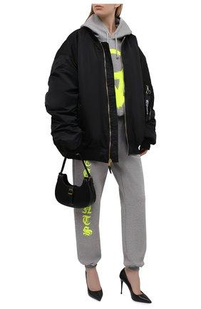 Женские хлопковые джоггеры VETEMENTS серого цвета, арт. UA52PA270G 1601/W | Фото 2