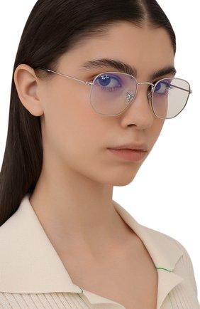 Женские солнцезащитные очки RAY-BAN серебряного цвета, арт. 3548-003/BL | Фото 2