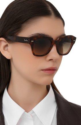 Женские солнцезащитные очки RAY-BAN коричневого цвета, арт. 2186-1324BG | Фото 2