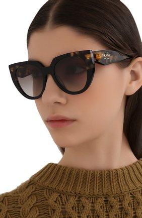 Женские солнцезащитные очки PRADA коричневого цвета, арт. 14WS-3890A7   Фото 2