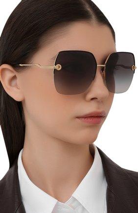 Женские солнцезащитные очки DOLCE & GABBANA черного цвета, арт. 2267-02/8G | Фото 2