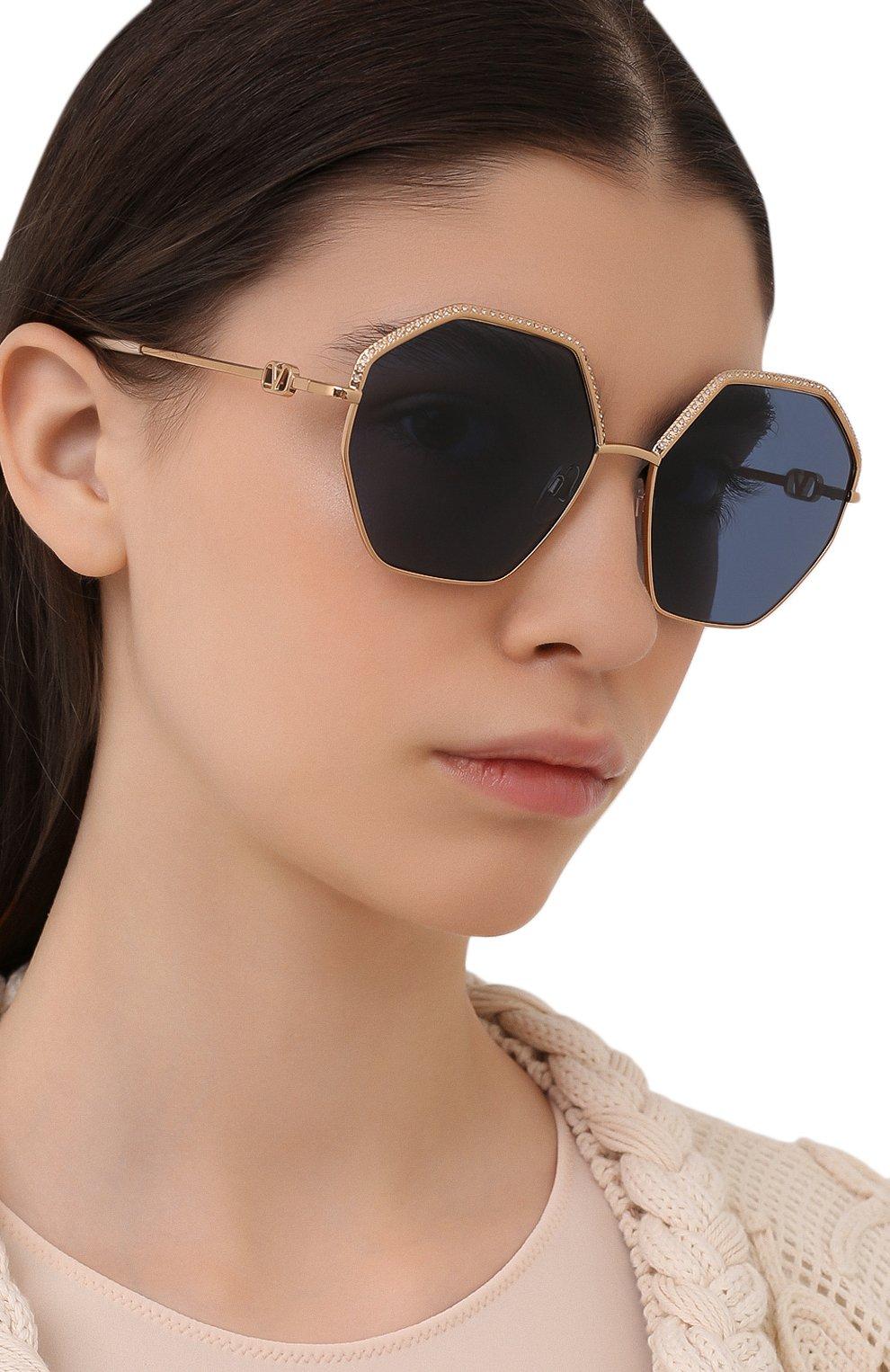 Женские солнцезащитные очки VALENTINO золотого цвета, арт. 2044-300480   Фото 2