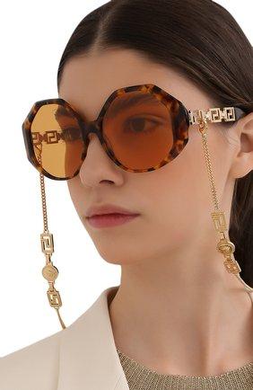 Солнцезащитные очки и цепочка | Фото №2