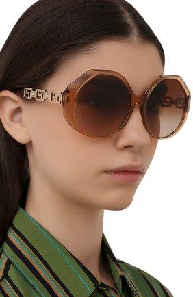 Женские солнцезащитные очки VERSACE коричневого цвета, арт. 4395-533313 | Фото 2