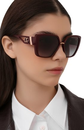 Женские солнцезащитные очки DOLCE & GABBANA бордового цвета, арт. 6156-32858G | Фото 2 (Тип очков: С/з; Оптика Гендер: оптика-женское; Очки форма: Прямоугольные, Бабочка)