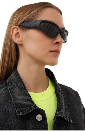 Женские солнцезащитные очки BALENCIAGA темно-серого цвета, арт. BB0157S 003 | Фото 2