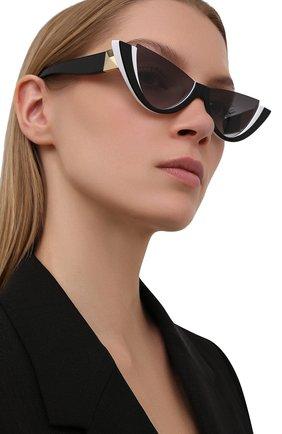 Женские солнцезащитные очки VALENTINO черно-белого цвета, арт. 4095-51818G   Фото 2