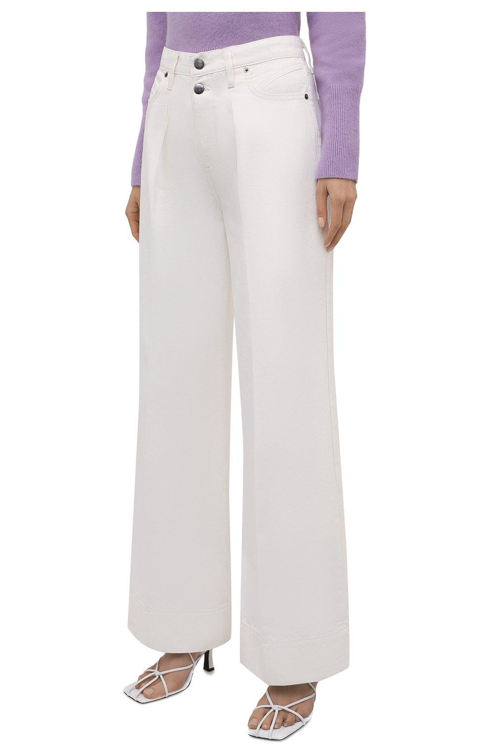 Женские джинсы FRAME DENIM белого цвета, арт. MPJ171   Фото 3 (Силуэт Ж (брюки и джинсы): Широкие; Длина (брюки, джинсы): Стандартные; Материал внешний: Хлопок, Деним; Стили: Кэжуэл)