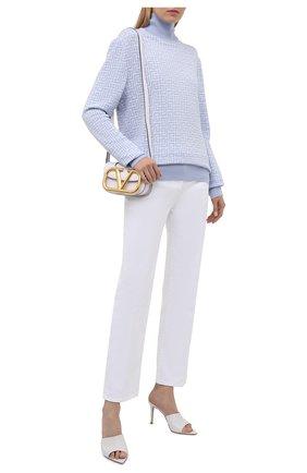 Женская водолазка из шерсти и льна BALMAIN светло-голубого цвета, арт. WH1KF010/K020 | Фото 2 (Материал внешний: Лен, Шерсть; Стили: Кэжуэл; Рукава: Длинные; Длина (для топов): Удлиненные; Женское Кросс-КТ: Водолазка-одежда)