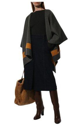 Женская кашемировая накидка LORO PIANA серого цвета, арт. FAI3169 | Фото 2 (Материал внешний: Шерсть; Стили: Кэжуэл; Длина (верхняя одежда): Короткие)