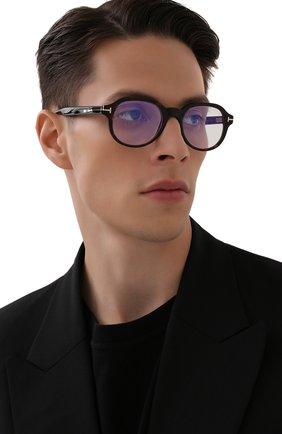 Мужские оправа TOM FORD темно-коричневого цвета, арт. TF5697-B 052 | Фото 2 (Тип очков: Оправа; Очки форма: Круглые; Оптика Гендер: оптика-мужское)