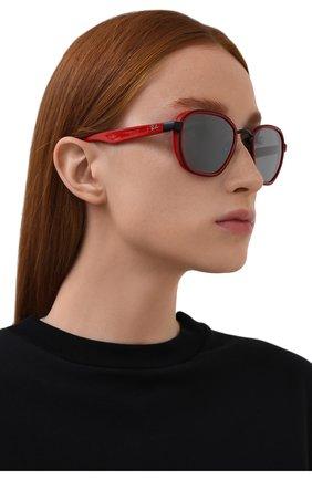 Женские солнцезащитные очки RAY-BAN красного цвета, арт. 3674M-F0026G | Фото 2
