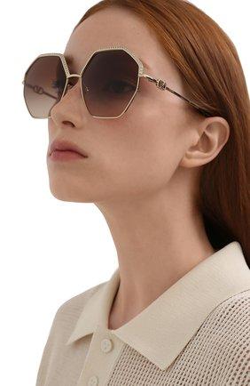 Женские солнцезащитные очки VALENTINO золотого цвета, арт. 2044-300213   Фото 2