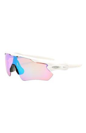 Женские солнцезащитные очки OAKLEY белого цвета, арт. 9208-9208A5 | Фото 1