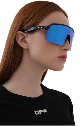 Женские солнцезащитные очки OAKLEY голубого цвета, арт. 9463-946306 | Фото 2