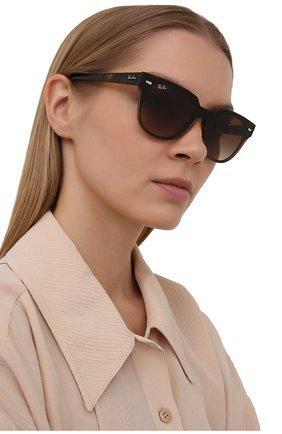 Женские солнцезащитные очки RAY-BAN коричневого цвета, арт. 4368N-710/13 | Фото 2