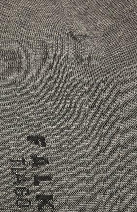 Мужские хлопковые носки FALKE серого цвета, арт. 13062 | Фото 2 (Материал внешний: Хлопок; Кросс-КТ: бельё)