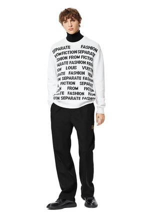 Мужской хлопковый свитер LOUIS VUITTON белого цвета, арт. 1A8WSU   Фото 2