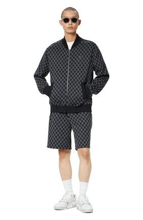 Мужской хлопковый кардиган LOUIS VUITTON серого цвета, арт. 1A8X2F | Фото 2 (Материал внешний: Хлопок; Мужское Кросс-КТ: Кардиган-одежда; Стили: Спорт-шик)