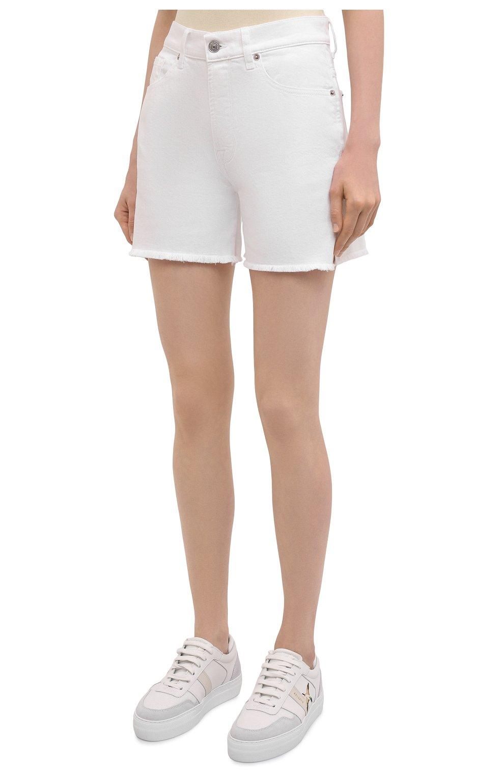 Женские джинсовые шорты 7 FOR ALL MANKIND белого цвета, арт. JSSHV690SW   Фото 3 (Женское Кросс-КТ: Шорты-одежда; Кросс-КТ: Деним; Длина Ж (юбки, платья, шорты): Мини; Материал внешний: Хлопок, Деним; Стили: Кэжуэл)