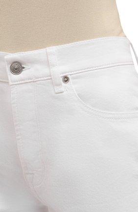 Женские джинсовые шорты 7 FOR ALL MANKIND белого цвета, арт. JSSHV690SW   Фото 5 (Женское Кросс-КТ: Шорты-одежда; Кросс-КТ: Деним; Длина Ж (юбки, платья, шорты): Мини; Материал внешний: Хлопок, Деним; Стили: Кэжуэл)