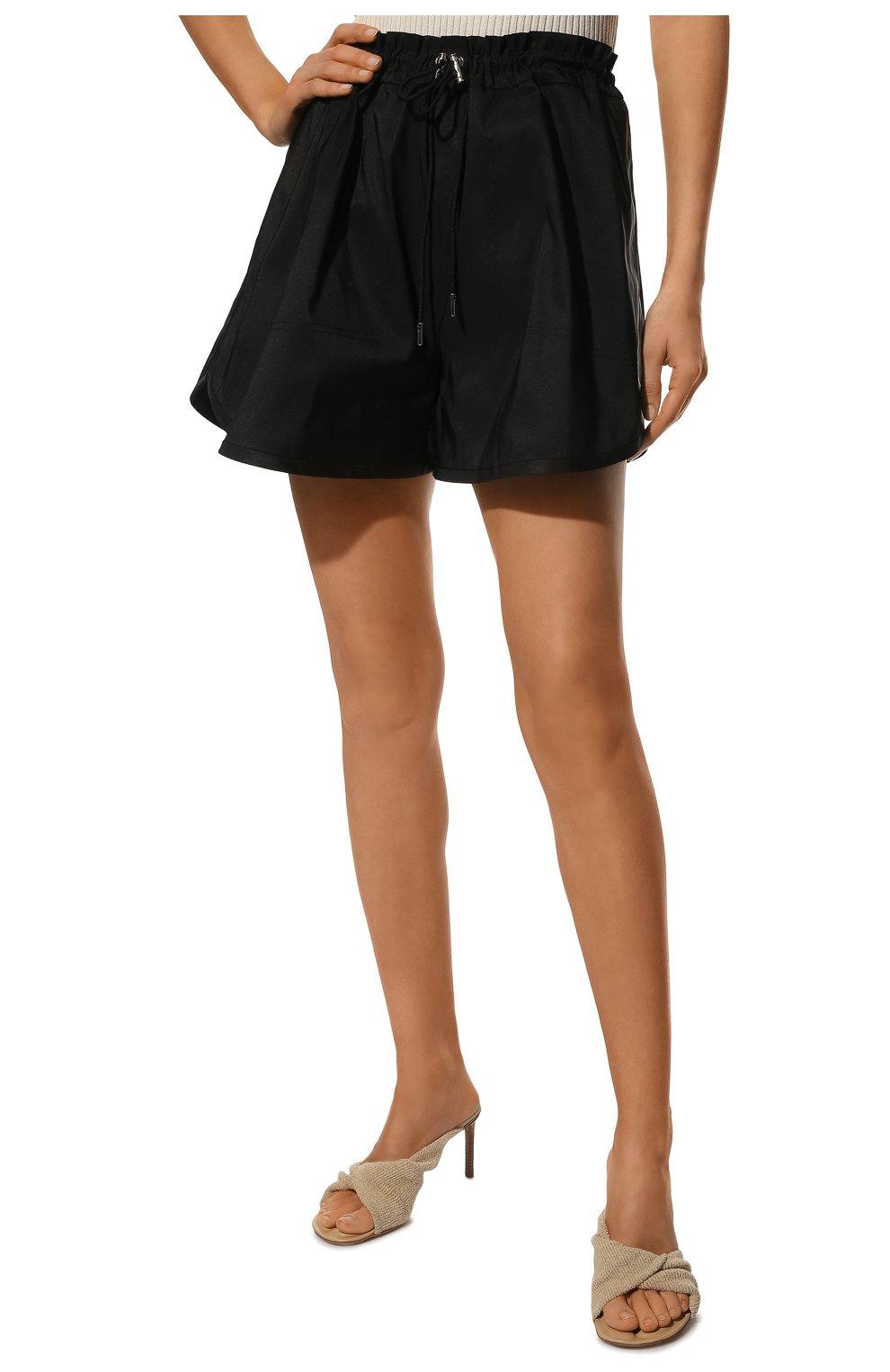 Женские шорты ALEXANDER MCQUEEN черного цвета, арт. 661560/QEACM | Фото 3 (Женское Кросс-КТ: Шорты-одежда; Длина Ж (юбки, платья, шорты): Мини; Материал внешний: Синтетический материал; Стили: Спорт-шик)