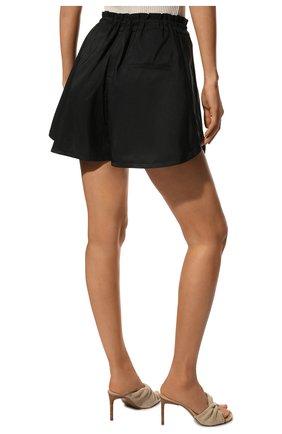 Женские шорты ALEXANDER MCQUEEN черного цвета, арт. 661560/QEACM | Фото 4 (Женское Кросс-КТ: Шорты-одежда; Длина Ж (юбки, платья, шорты): Мини; Материал внешний: Синтетический материал; Стили: Спорт-шик)