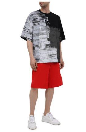 Мужские шорты из хлопка и льна Y-3 красного цвета, арт. GV4212/M | Фото 2 (Длина Шорты М: Ниже колена; Материал внешний: Хлопок; Кросс-КТ: Трикотаж; Принт: Без принта; Стили: Спорт-шик)