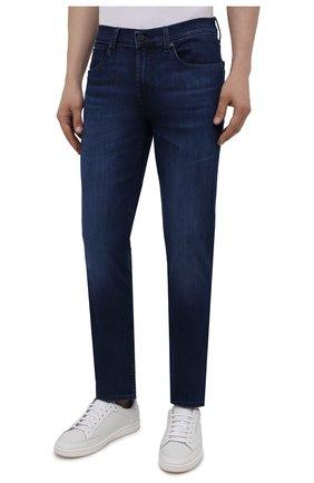 Мужские джинсы 7 FOR ALL MANKIND синего цвета, арт. JSMSB800LI | Фото 3 (Силуэт М (брюки): Прямые; Длина (брюки, джинсы): Стандартные; Материал внешний: Хлопок; Стили: Кэжуэл)