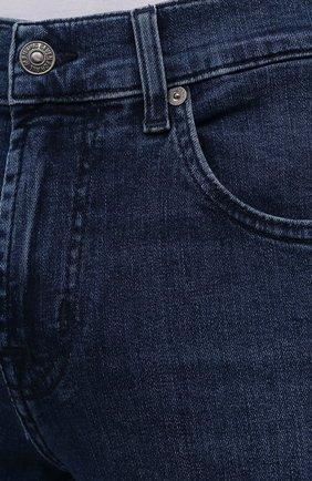 Мужские джинсы 7 FOR ALL MANKIND синего цвета, арт. JSMSB28RDB   Фото 5 (Силуэт М (брюки): Прямые; Длина (брюки, джинсы): Стандартные; Материал внешний: Хлопок, Деним; Стили: Кэжуэл)