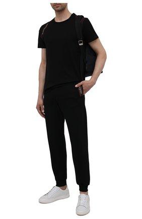 Мужские хлопковые джоггеры ALEXANDER MCQUEEN черного цвета, арт. 642664/QRX75 | Фото 2 (Материал внешний: Хлопок; Силуэт М (брюки): Джоггеры; Мужское Кросс-КТ: Брюки-трикотаж; Кросс-КТ: Спорт; Стили: Спорт-шик; Длина (брюки, джинсы): Стандартные)